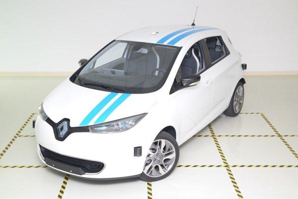 Renault научит автопилот объезжать препятствия подобно профессиональным водителям - «Новости сети»