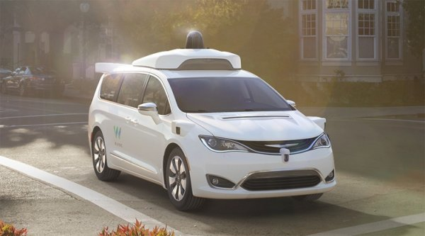Робомобили Waymo впервые начнут перевозить пассажиров без страхующего водителя - «Новости сети»