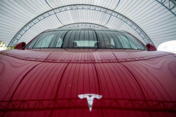 Немецкая фирма по прокату автомобилей отменила заказ на автомобили Tesla из-за качества - «Новости сети»